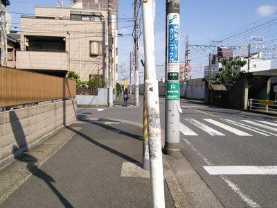 西船橋駅すぐ信号のあるT字路から西に3つめのT字路を左に