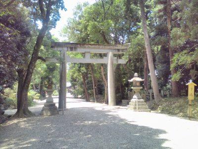 大和神社 二の鳥居